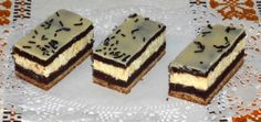 Dvojfarebné tvarohové rezy (fotorecept) - recept | Varecha.sk Baking Recipes, Cake Recipes, Kolaci I Torte, Czech Recipes, Oreo Cupcakes, Sweet Desserts, Desert Recipes, Cake Decorating, Cheesecake