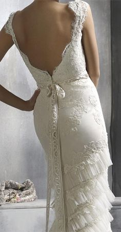 CLOSE UP – Lazaro Bridal Gowns, Wedding Dresses: Style Ivory alencon l… – Low-waste wedding Lazaro Bridal, Organza Bridal, Bridal Gowns, Wedding Gowns, Backless Wedding, Lace Wedding, Mermaid Wedding, Wedding Bride, Vestidos Vintage