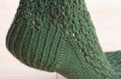 10 Tips for Longer-Lasting Knitted Socks