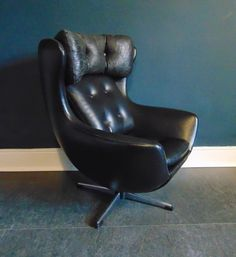 Vintage Mid Century Arne Jacobsen Egg Swivel Childs Chair in Black Vinyl. Collectors Item, Childs Vintage Lounge Chair 1950'S by KingdomFurnishings on Etsy