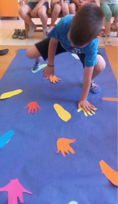 Great Cost-Free preschool activities gross motor Concepts In regards to arranging irreverent discovering exercises intended for preschoolers, it's actually not a single dimens Motor Skills Activities, Movement Activities, Gross Motor Skills, Indoor Activities, Infant Activities, Learning Activities, Children Activities, Games For Children, Physical Activities For Preschoolers