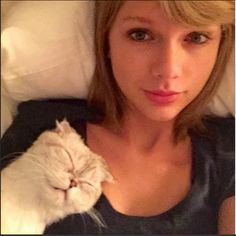 Celebrities Without Makeup: Instagram Selfies: Taylor Swift -- Still so beautiful!!♡
