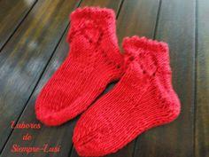 Labores de siempre: Calcetín  bebé en rojo