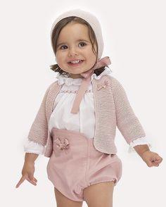 Maravillosa con su conjuntito de la nueva colección P/V de @casildayjimena Beautiful❤❤•••Si te gusta déjanos un comentario, nos importa!! Gracias!! #modaespañola #modainfantil #ropaespañola #ropainfantil #hechoenespaña #madeinspain #modaespaña #kidsstyle #niñasconestilo #spain #modainfantilchic #kidsfashion #childrensboutique #spanishbrand #cutekidsfashion #fashionkidsworld #sweetbaby #babyfashion #babyfashionista #childrenswear #superfashionkids #childrensfashion #cutekidsclub #littlebab...