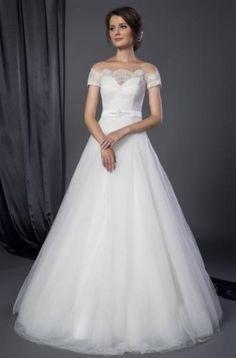 princesse avec broderies orientales  Collection 2017 de robes de ...