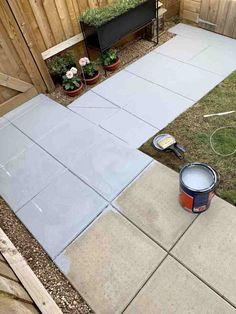 How to DIY : Concrete Garden Slab Stencilling – Home Ideology Garden Slabs, Garden Paving, Concrete Garden, Diy Concrete, Concrete Paving Slabs, Patio Slabs, Paved Patio, Stencil Concrete, Painting Concrete