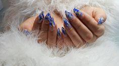 Speciaal met de koudere dagen hebben we workshop om nail art te maken dat helemaal in het thema past: ijsnagels!  Christel Audenaerd legt deze leuke en speciale technieken uit tijdens de workshop op vrijdag 16 december van 17u tot 19u.  Lesgeld voor deze workshop is 60€.  Wil jij graag naar deze workshop komen? Schrijf je dan in via info@BlueSage.be