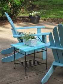 Decorated Chaos: Patio Table Makeover Using DecoArt Outdoor Paint