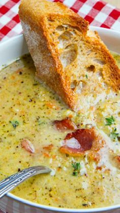 Broccoli and Cheddar Soup Roasted Broccoli and Cheddar Soup. Used pureed white beans as cream.Roasted Broccoli and Cheddar Soup. Used pureed white beans as cream. Crockpot Recipes, Cooking Recipes, Oven Recipes, Recipies, Cooking Tips, Cooking Pork, Hamburger Recipes, Barbecue Recipes, Cuisine Diverse