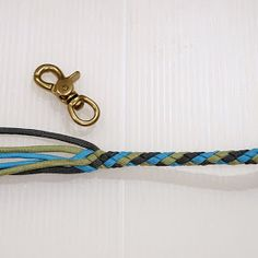 Paracord Lovers/パラコードラヴァース : ウォレットチェーンエンドの飾り結びの作り方.....パラコードの編み方 Knots, Personalized Items, Creative, Accessories, Jewelry, Jewlery, Jewerly, Schmuck, Jewels
