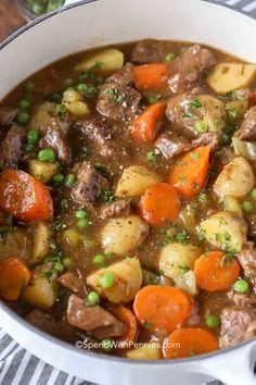 Beef stew is so tender and tasty.-Rindfleischeintopf ist so zart und lecker. Ich liebe es, dieses Rezept für Rindfleischeintopf… Beef stew is so tender and tasty. I love making this recipe for beef stew in bat … - Slow Cooker Beef, Slow Cooker Recipes, Crockpot Recipes, Cooking Recipes, Healthy Recipes, Healthy Soup, Dinner Crockpot, Beef Soup Recipes, Cooking Hacks
