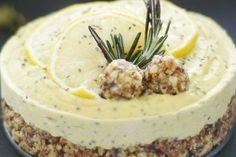 Nepečený citrónový cheesecake s mandľami, kešu orechami a chia semienkami Cheesecake, Mashed Potatoes, Food And Drink, Pudding, Paleo, Ethnic Recipes, Fit, Basket, Vegan