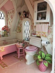 My Miniature Madness: The Storybook Cottage Gets A Bathroom! My Miniature Madness: The Storybook Cottage Gets A Bathroom! Baños Shabby Chic, Shabby Chic Zimmer, Simply Shabby Chic, Shabby Chic Homes, Shabby Chic Furniture, Rustic Furniture, Modern Furniture, Furniture Design, Decoration Shabby