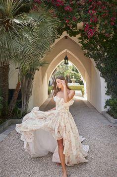 Princess Wedding Dresses, Wedding Gowns, Bridal Gown, Monique Lhuillier Bridal, Simple Gowns, Vogue India, Models, Bridal Boutique, Mannequins