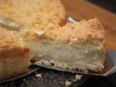 A Torta Cremosa com Farofa Crocante é um grande sucesso, pois é fácil de fazer, econômica e fica deliciosa. Experimente!