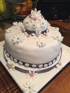 Littlemissimmyloves wedding cake