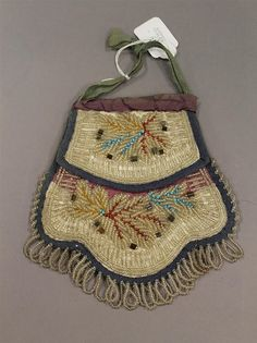 "Iroquois beaded tourist bag, 6"", circa 1880-1910 - by Alderfer Auction & Appraisal"