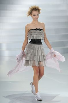 Sneaker-Infused Lace Couture - The Chanel Spring 2014 Collection Rocks Paris Fashion Week (GALLERY)
