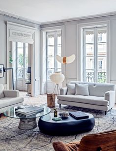 Noguchi lamps - House tour: a modern French apartment within an opulent shell - Vogue Living Room Design, Contemporary Living Room, Home Decor, House Interior, Apartment Decor, Interior Design, French Apartment, Living Room Designs, Modern Apartment