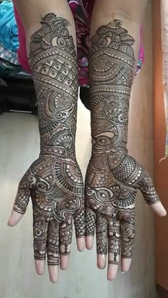 Latest Mehendi Designs for Hands & Legs - Happy Shappy Henna Hand Designs, Traditional Mehndi Designs, Mehndi Designs Finger, Wedding Henna Designs, Latest Bridal Mehndi Designs, Indian Henna Designs, Full Hand Mehndi Designs, Mehndi Designs For Girls, Stylish Mehndi Designs