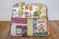 Weekender Bag: This crazy lady has made this bag 5 times. My hero!