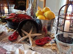what a great lobster table!