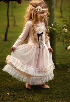 Dollcake clothing is an array of vintage fashionable wear for girls ages 2 trough 12 years. Each outfits deserves a real princess and is designed in Melbourne Australia. Dollcake is well known for its soft vintage inspired pallet. Fashion Kids, Little Girl Fashion, Little Girl Dresses, Flower Girl Dresses, Frock Dress, Pink Doll, My Baby Girl, Little Princess, Real Princess