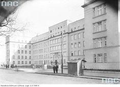 Szpital Ubezpieczalni Społecznej imienia Gabriela Narutowicza przy ulicy Prądnickiej 35-37 w Krakowie Data wydarzenia 1934-1939