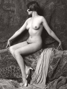Louise Brooks style