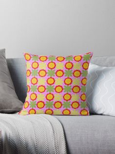 Simple flowery pattern by Silvia Ganora  #pillows #throwpillows #homedecor