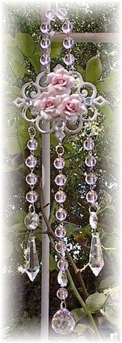 romantic suncatcher...gorgeous !!! Maybe for PINK event day....make these to take home....
