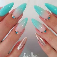 30 Sexy Nail Art Glitter 2019 Nail Art Glitter Use gel acrylic or fiberglass for application Suitable for professional and home use Picture Credit alinahoyonailartist Sexy Nail Art, Sexy Nails, Cute Nails, Pretty Nails, Nagellack Design, Nagellack Trends, Summer Acrylic Nails, Best Acrylic Nails, Aqua Nails