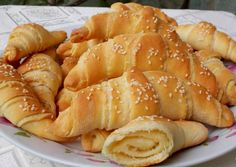 Érdekel a receptje? Kattints a képre! Hungarian Recipes, Ciabatta, Canapes, Sweet Desserts, Pretzel Bites, Hot Dog Buns, Baked Goods, Kenya, Food And Drink