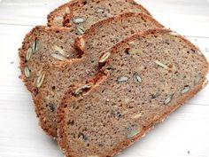 spelt wholemeal bread with rye and amaranth flour / dinkelvollkornbrot mit roggen- und amaranthmehl