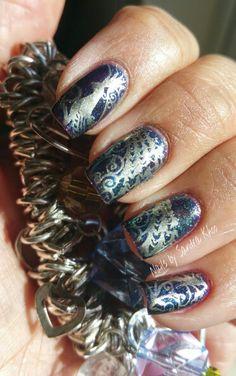 Peacock manicure
