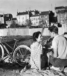 """Robert Doisneau """"Le vélo du Printemps"""" -Paris 1948"""
