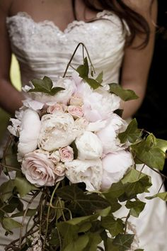 gorgeous vintage blush bouquet absolutely stunning love everything about this pic! Truly beautiful!