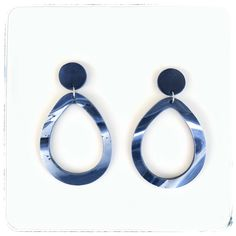 #clayearrings #earringstyle #earringlover #earrings #fashionearrings #makersmarketfromhome #earringsoftheday #etsyshop #etsyshopsofinstagram #etsyseller #handmadeingreece #handmadewithlove #σκουλαρίκια Clay Earrings, Pearl Earrings, Drop Earrings, Pearls, Jewelry, Jewellery Making, Bead Earrings, Beads, Jewelery