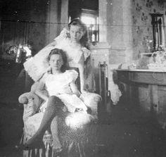 Olga and Tatiana 1906