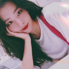 Seulgi aka the loml🥰🥰 Kpop Girl Groups, Kpop Girls, Asian Girl, Korean Girl, Foto Gif, Red Velvet Seulgi, Kang Seulgi, Kpop Aesthetic, Kim Yerim