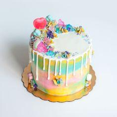 Unicorn Cake #cake #unicorn #dripcake