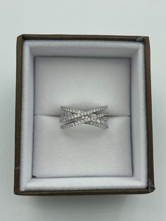 Bague croisée en or blanc et diamants Afin, Products, White Gold, The Body, Jewerly, Ring, Human Height, Gadget