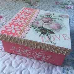 Cajas Decoupage Tutorial, Decoupage Box, Painted Boxes, Wooden Boxes, Tole Painting, Diy Party Decorations, Valentine Crafts, Paper Gifts, Nursery Wall Art