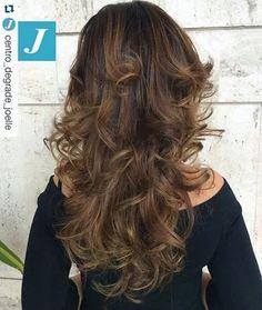 Sfumature di stile. #cdj #degradejoelle #taglipuntearia #degradé #igers #musthave #hair #hairstyle #haircolour #longhair #oodt #hairfashion #madeinitaly #workhairstudiovittorio&tiziana #roma #eur
