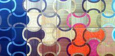 A coleção de ladrilhos de madeira da Tissi Mousinho tem nova estampa. A marca oferece uma alternativa de revestimento às tradicionais cerâmica, Formica e papel de parede.