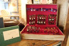 Old silverware case as eyeglasses display-