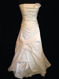 lambert creations style laurs strapless bodice and a line ivory skirt sample size 14