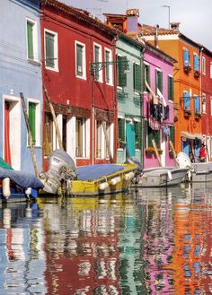 Burano, Italy  been there!  I'm so lucky!  h