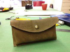 Eerste werkstuk van de cursus leren tassen maken bij Amine van Lieshout