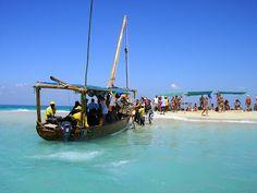 Zanzibar. Citeste mai mult: http://www.imperatortravel.ro/2012/10/wazungu-degeaba-ai-venit-in-zanzibar-daca-nu-faci-un-safari-blue.html